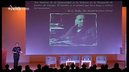 Fuentes de energía más de ciencia que de ficción, mi charla en Amazings Bilbao 2012. Clic en la imagen para acceder al vídeo.